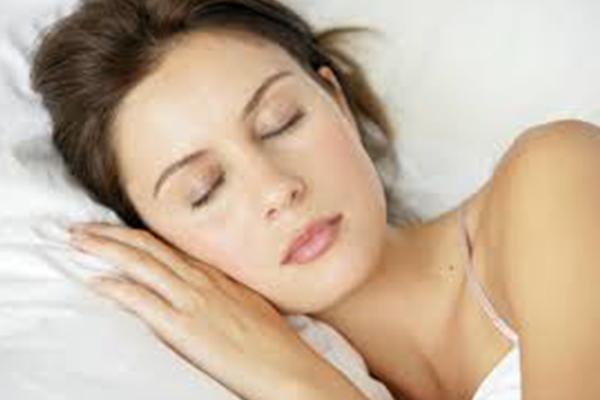 Skin care tips - Never sleep with makeup on