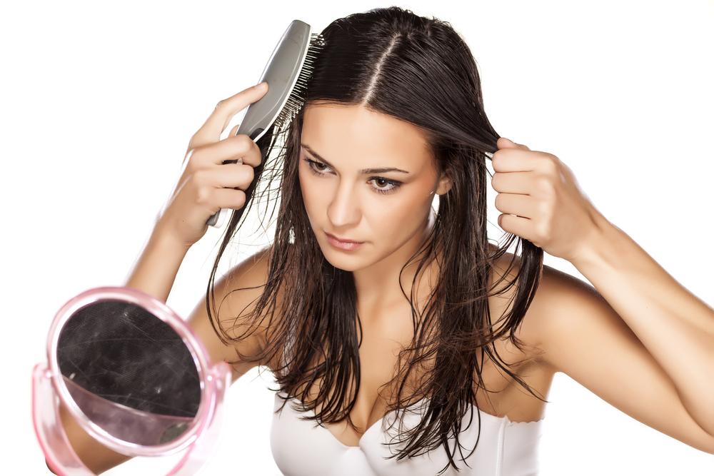 brushing-your-hair-wet
