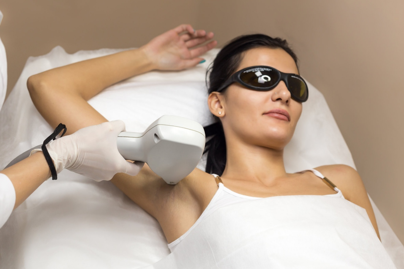 laser treatment for dark underarms